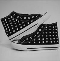 Scarpe borchiate Uomo o Donna Sneakers nera